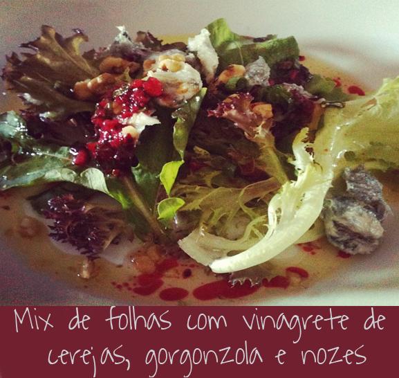 post_blog_maridonacozinha_mixdefolhas_vinagretedecerejas_gorgonzola_nozes